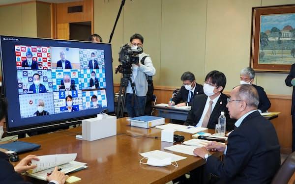 九州地方知事会はウェブ方式で会議をした(22日、大分県庁)