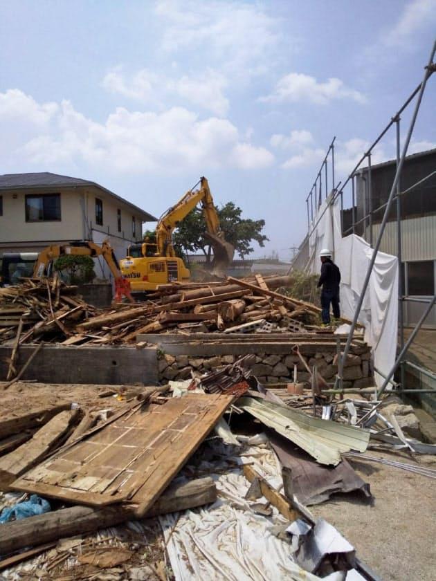 水害で被害を受けた建物は相次ぎ解体され、やがて水害の痕跡を町並みから消す(岡山県倉敷市真備町、2019年7月)