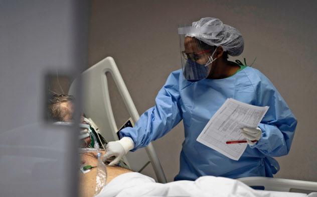 ブラジルは5月に入り新型コロナの感染拡大が顕著だ(21日、リオデジャネイロ州の病院)=AP