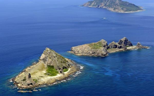 沖縄県の尖閣諸島で中国公船の接続水域への連続航行日数が17日に最長を更新した=共同