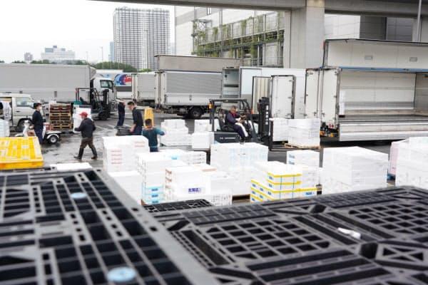 緊急事態宣言解除から一夜明けた豊洲市場(東京都江東区)=藤井凱撮影