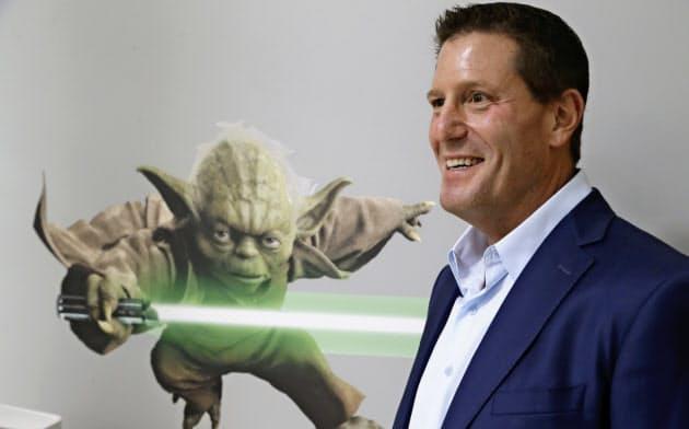 ディズニーで配信事業を立ち上げたケビン・メイヤー氏。6月にTikTokのCEOに就任する=AP