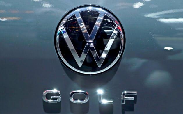 フォルクスワーゲンは新型ゴルフの宣伝に大規模なキャンペーンを展開している(同社のロゴ)=ロイター