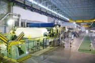 新型コロナウイルス感染の影響で印刷用紙の需要が落ち込んでいる(塗工紙の国内製造設備)