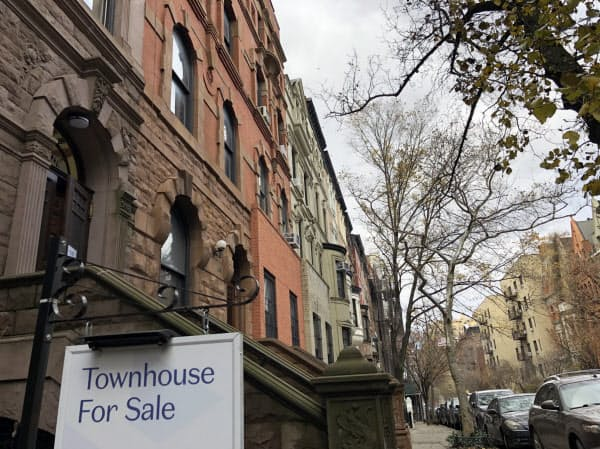 新型コロナで中古住宅市場は供給が滞り、販売も低迷した(ニューヨークのマンハッタン)