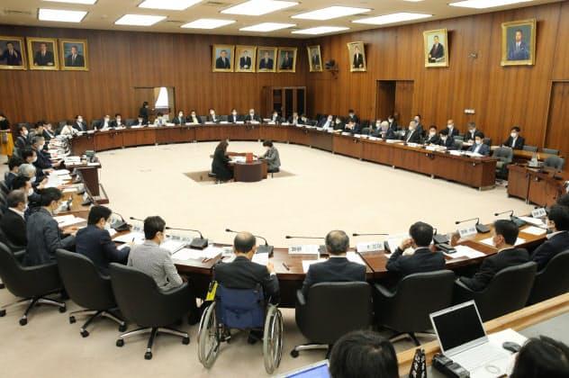 国民投票法を巡り自由討議が行われた衆院憲法審査会(28日)