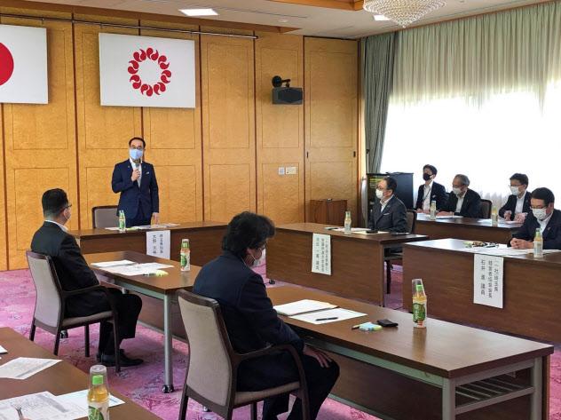 会議であいさつする埼玉県の大野知事(さいたま市)