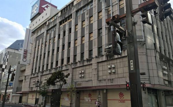 東京の商業コンサルが土地建物を取得し再生する動きが表面化した大沼(28日、山形市の閉店した店舗)