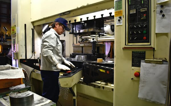 高精度のプレス加工技術で欧州に挑む(茨城県日立市)