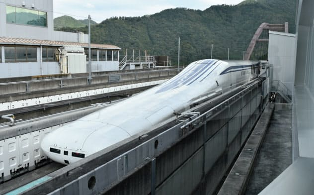 JR東海が報道公開したリニア中央新幹線の走行試験(2019年、山梨県都留市)