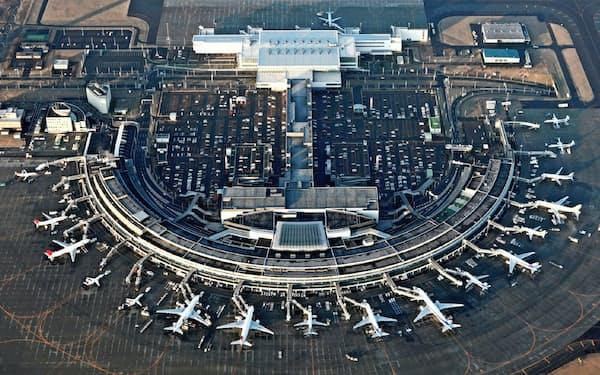 当初5年間で1000億円を集中投資する方針を打ち出していた(新千歳空港)