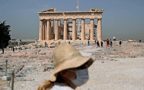 2カ月以上閉鎖していたパルテノン神殿のあるギリシャの古代遺跡アクロポリスは5月半ばに再開した(アテネ、5月18日)=ロイター