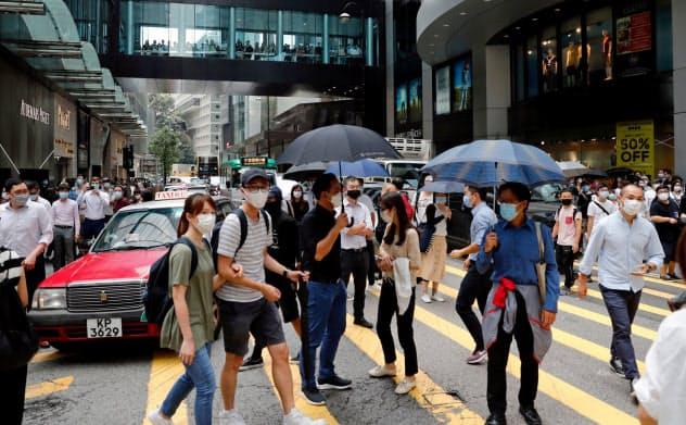 企業が香港に拠点を置くメリットも薄れる可能性がある(27日、香港)=ロイター