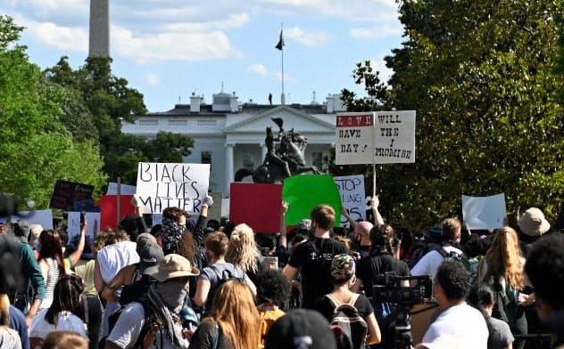 米、黒人暴行死で州兵5000人 ワシントン夜間外出禁止