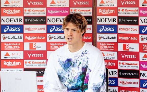 オンライン取材で、リーグ戦再開後の選手のリスクについて言及した神戸の酒井=(C)VISSEL KOBE
