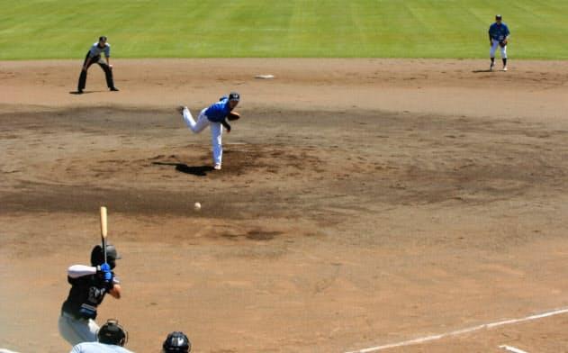 開幕した独立リーグ、北海道ベースボールリーグ(30日、美唄市)