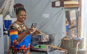 ケニアのペイゴーエナジーは調理用のガスを小口で提供する