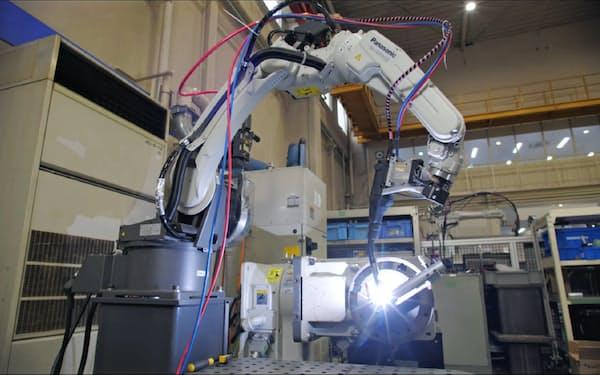 パナソニックの溶接ロボット