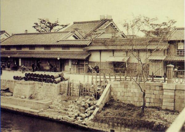 大阪市西区の加島屋本家。現在は大同生命保険の本社が立っている=同社提供