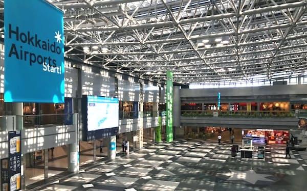 完全民営化初日の新千歳空港も人はまばらだった(1日、新千歳空港)
