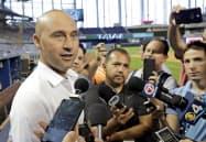 元ヤンキースのデレク・ジーター氏はツイッターで「人種差別に終止符を打ち、厳しい罰で対応する時が来た」との声明を出した(写真は2019年5月)=AP