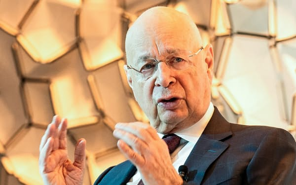 世界経済フォーラム創設者のクラウス・シュワブ会長