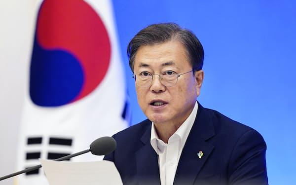 文在寅大統領は財政出動で経済復興を急ぐ=韓国大統領府提供