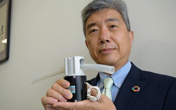 人工呼吸器向けバルブを持つ高砂電気工業の浅井直也社長