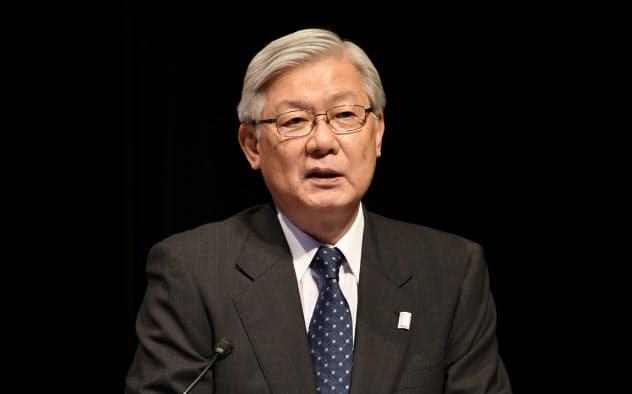 講演するNECの新野隆執行役員社長兼CEO(8日、東京・大手町)