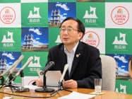 6月補正予算案を発表する青森県の三村知事(青森県庁)