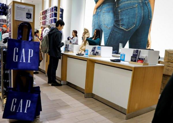 米ギャップも業績不振に陥っている(ニューヨークの店舗)=ロイター