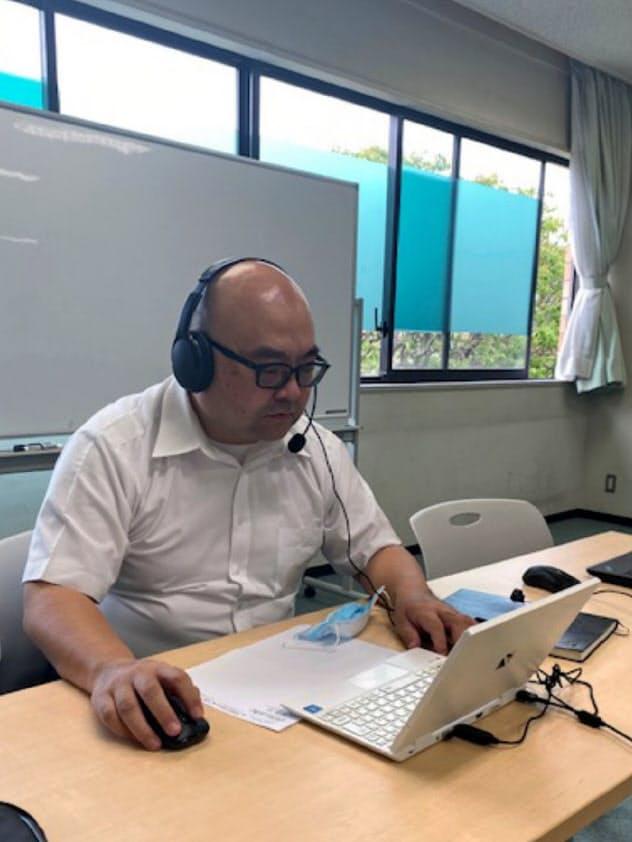 神田外語大学はテレビ会議での就活生向けセミナーでウェブ面接のコツを指南(千葉市)