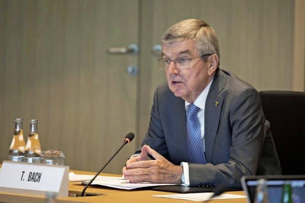 IOC理事会に出席したバッハ会長=10日、ローザンヌ(ロイター=共同)