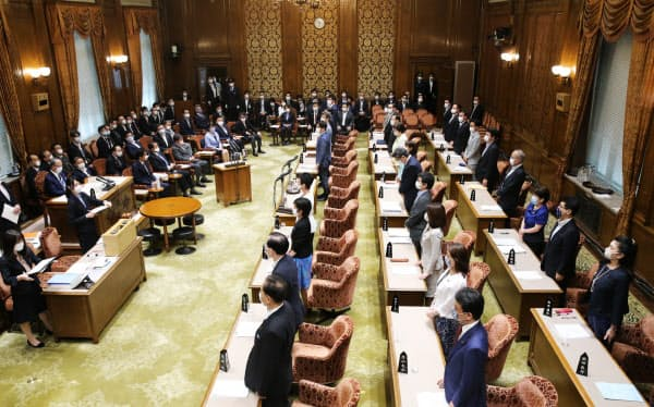 賛成多数で2次補正予算案を可決した参院予算委(12日午前)