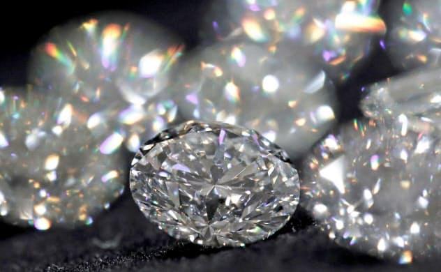 ダイヤモンドの消費は店舗の閉鎖や供給網の断絶で大きな打撃を受けている=ロイター