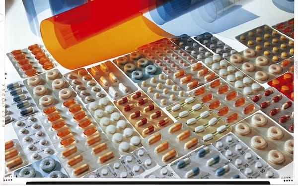 医薬品の包装材料を作る工場などの製造工程をデジタル化した