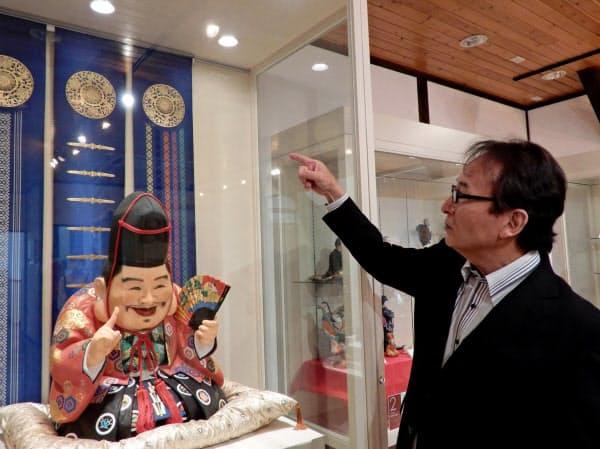 常設展示では博多人形や博多織の作品を紹介(福岡市)