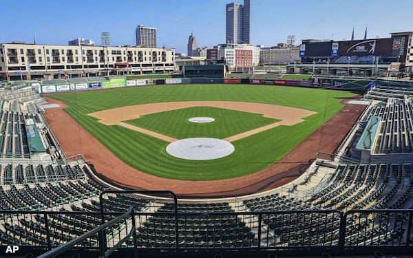 インディアナ州フォートウェインにあるマイナーリーグの野球場。独立リーグの環境はさらに厳しい=AP