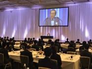 ダイキンの入社式には528人が参加した(19日、大阪市)