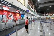 ウタパオ空港には主に格安航空会社が就航している(2月、タイ東部ラヨーン県)=ロイター