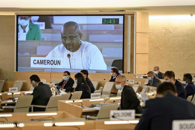 黒人差別の報告求める決議採択、国連人権理事会: 日本経済新聞