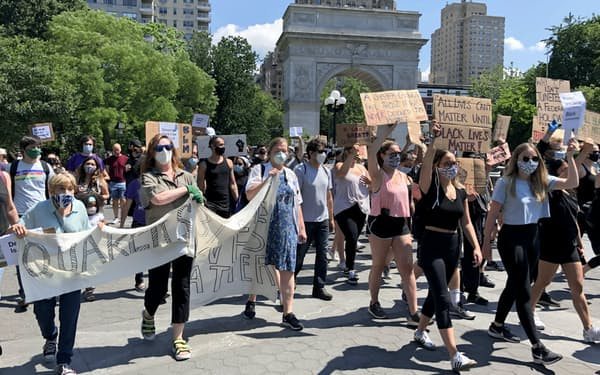 「奴隷解放の日」は朝から全米でデモが広がった(19日、ニューヨーク)