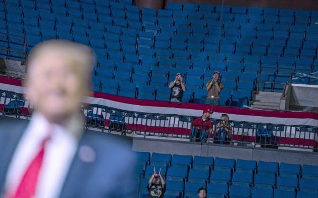 トランプ米大統領の20日の選挙集会は空席が目立った(オクラホマ州)=AP