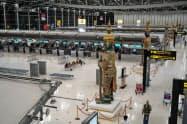 閑散とするタイ・バンコクのスワンナプーム空港(8日)=小高顕撮影