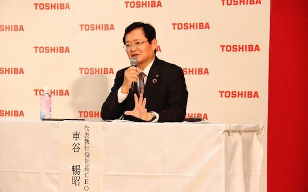 記者会見に臨む車谷暢昭社長兼最高経営責任者(CEO)