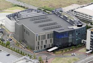 神戸市の理化学研究所計算科学研究センター(22日)=共同
