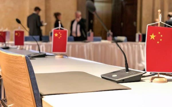 22日、米ロ核軍縮協議の会場に中国代表団は姿を見せなかった(ウィーン)=ビリングスリー米大統領特使のツイッターから