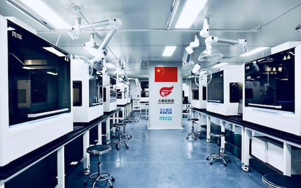 新型コロナウイルス専門の検査施設に導入した(華大智造提供)