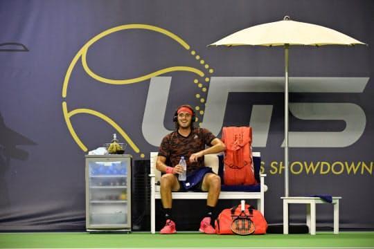 フランスで始まったテニスの新企画「UTS」。インターバルには選手のトークも