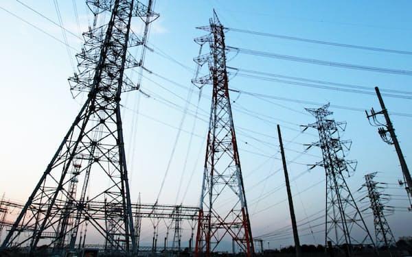 送電線や鉄塔を目印とした航路作りを検討する